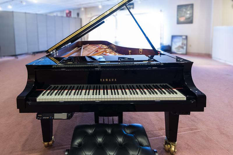 Yamaha disklavier 9 39 concert grand piano model dcfxe3 for Yamaha disklavier grand piano