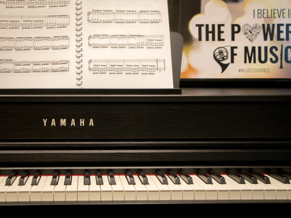 Digital Piano: Modern Technology, Traditional Feel