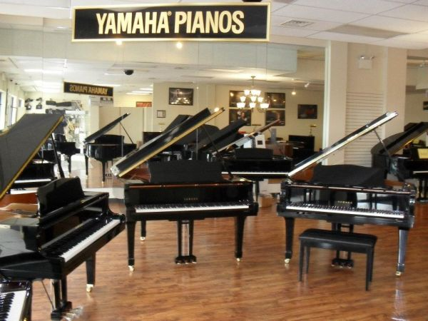 Yamaha-Pianos-at-Menchey-Music-Lancaster-PA-Location