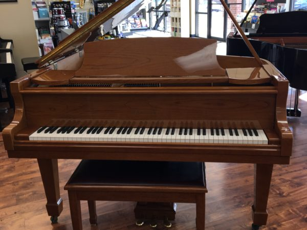 Samick Baby Grand Piano Model SG-155, Polished Oak