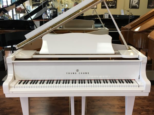 """Young Chang – White Baby Grand Model G150 (4'11"""")"""