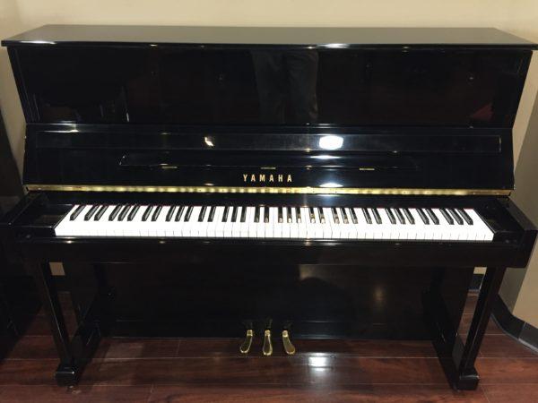 Yamaha – Model T118 – 47″ Upright Piano – polished ebony