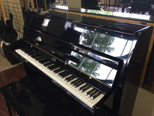 Baldwin – Model E70-HPE – 44.5″ studio upright piano – ebony polish