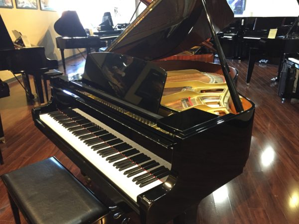 Yamaha – Model GH1 5'3″ polished ebony grand piano  **SOLD**
