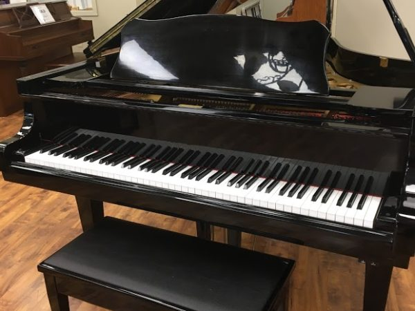 Wurlitzer model G-461 (6'1″) grand piano – polished ebony w/bench