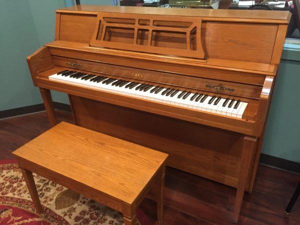 Yamaha M302 Oak – Console piano w/bench