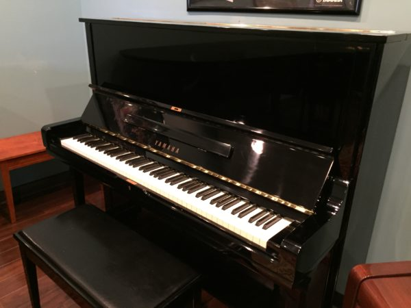 Yamaha – Model U3 upright piano (polished ebony) ***SALE PENDING***